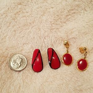 VINTAGE RED EARRINGS